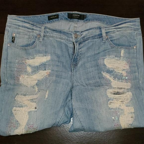 Torrid Distressed/Embelleshed Jeans - 18